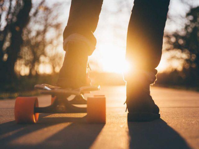 https://loenne.info/wp-content/uploads/2021/01/Skateboard-640x480.jpg